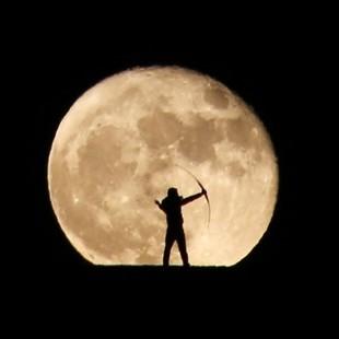 Archer versus Moon